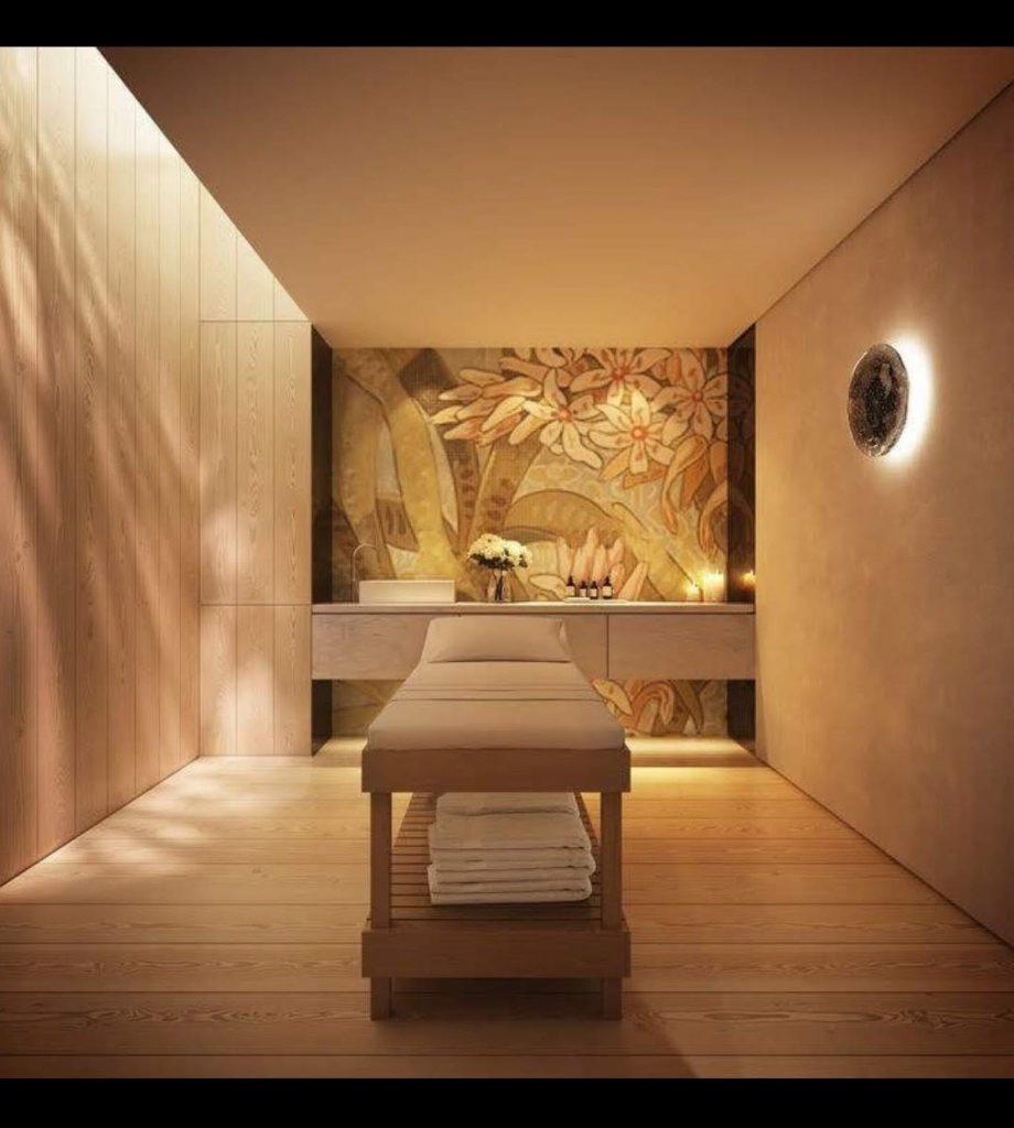 salle de détente avec table de massage
